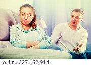 Купить «Couple arguing at home», фото № 27152914, снято 18 марта 2017 г. (c) Яков Филимонов / Фотобанк Лори