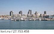 Купить «Вид на город Ашдод со стороны Средиземного моря, Израиль», видеоролик № 27153458, снято 15 октября 2017 г. (c) Наталья Волкова / Фотобанк Лори