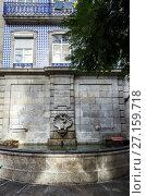 Купить «Oliveiras Fountain (Fonte das Oliveiras) in Cedofeita civil parish of Porto city on Iberian Peninsula, second largest city in Portugal.», фото № 27159718, снято 8 декабря 2016 г. (c) easy Fotostock / Фотобанк Лори