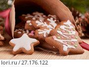 Купить «Christmas gingerbread cookies.», фото № 27176122, снято 31 октября 2017 г. (c) Мельников Дмитрий / Фотобанк Лори