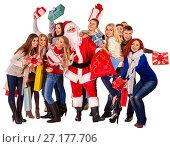 Купить «Christmas friends women , men with shopping bag and gift box.», фото № 27177706, снято 7 ноября 2012 г. (c) Gennadiy Poznyakov / Фотобанк Лори