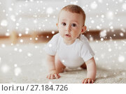 Купить «little baby in diaper crawling on floor at home», фото № 27184726, снято 12 июля 2016 г. (c) Syda Productions / Фотобанк Лори
