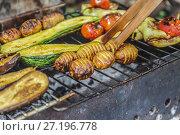 Купить «Assorted grilled vegetables.Chef cooking vegetables.top view close up», фото № 27196778, снято 28 июля 2017 г. (c) Tetiana Chugunova / Фотобанк Лори