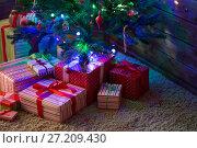 Купить «Boxes with gifts for Christmas fir», фото № 27209430, снято 14 ноября 2017 г. (c) Типляшина Евгения / Фотобанк Лори