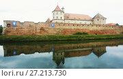 Купить «Image of Castle in Fagaras in Romania.», видеоролик № 27213730, снято 17 сентября 2017 г. (c) Яков Филимонов / Фотобанк Лори