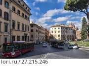 Купить «Rome city life. Buses and cars on the narrow streets of Rome», фото № 27215246, снято 7 ноября 2016 г. (c) Евгений Ткачёв / Фотобанк Лори