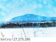 Beautiful winter wonderland during the sunny day. Winter landscape. Mountain peak covered with snow. Стоковое фото, фотограф Евгений Ткачёв / Фотобанк Лори