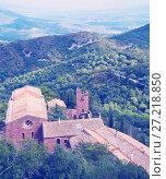 Купить «Castell de Escornalbou lost in mountains of Riudecanyes», фото № 27218850, снято 24 сентября 2016 г. (c) Яков Филимонов / Фотобанк Лори