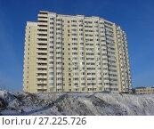 Купить «Многосекционный панельный жилой дом разной этажности серии И-155-С, построен в 2006 году. Курганская улица, 3. Район Гольяново. Город Москва», эксклюзивное фото № 27225726, снято 11 февраля 2010 г. (c) lana1501 / Фотобанк Лори
