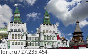 Izmailovsky Kremlin (Kremlin in Izmailovo), Moscow, Russia-- is one of the most colorful and interesting city landmarks, including museums, restaurants, fairs and markets and many other attractions (2017 год). Стоковое видео, видеограф Владимир Журавлев / Фотобанк Лори