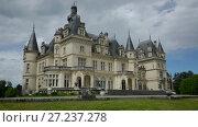 Купить «Montrejeau castle of Valmirande in France - old european stone building», видеоролик № 27237278, снято 15 мая 2017 г. (c) Яков Филимонов / Фотобанк Лори