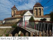 Купить «Fortified church in Valea Viilor, Romania», фото № 27240078, снято 17 сентября 2017 г. (c) Яков Филимонов / Фотобанк Лори