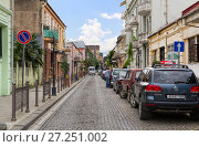 Купить «The narrow street of the old town. The old town is full of quiet streets with family hotels», фото № 27251002, снято 11 июня 2016 г. (c) Евгений Ткачёв / Фотобанк Лори