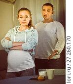 Купить «Husband and pregnant wife arguing at home», фото № 27260170, снято 18 марта 2017 г. (c) Яков Филимонов / Фотобанк Лори
