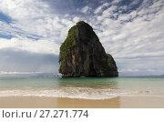 Вид на скалистый остров. Стоковое фото, фотограф Рушания Баженова / Фотобанк Лори