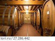 Купить «Бочки с вином в старом винном погребе», фото № 27286442, снято 13 мая 2014 г. (c) Наталья Волкова / Фотобанк Лори