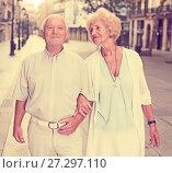 Купить «loving mature spouses enjoying walk», фото № 27297110, снято 27 августа 2017 г. (c) Яков Филимонов / Фотобанк Лори