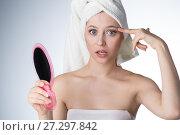 Купить «Young woman in towel on head», фото № 27297842, снято 12 декабря 2017 г. (c) Типляшина Евгения / Фотобанк Лори