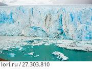 Купить «Vertical edge of glacier Perito Moreno», фото № 27303810, снято 2 февраля 2017 г. (c) Яков Филимонов / Фотобанк Лори