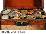 Купить «Old chest full of coins», фото № 27313678, снято 10 декабря 2017 г. (c) Георгий Дзюра / Фотобанк Лори