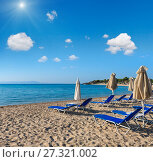 Купить «Summer morning beach (Chalkidiki, Greece).», фото № 27321002, снято 23 июля 2016 г. (c) Юрий Брыкайло / Фотобанк Лори