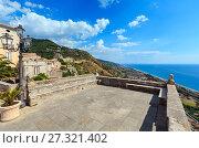 Купить «Fiumefreddo Bruzio town, Calabria, Italy», фото № 27321402, снято 19 июня 2017 г. (c) Юрий Брыкайло / Фотобанк Лори