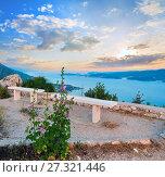 Купить «Observation area and sea sunset (Croatia)», фото № 27321446, снято 20 июня 2012 г. (c) Юрий Брыкайло / Фотобанк Лори