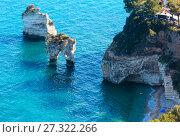 Faraglioni di Puglia Baia Delle Zagare, Italy (2017 год). Стоковое фото, фотограф Юрий Брыкайло / Фотобанк Лори