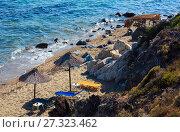 Купить «Summer sea coast (Halkidiki, Greece).», фото № 27323462, снято 21 июля 2016 г. (c) Юрий Брыкайло / Фотобанк Лори