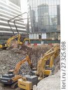 Купить «Excavation onTenth avenue in the Hudson Yards development in New York on Saturday, November 4, 2017. (© Richard B. Levine_.», фото № 27325698, снято 4 ноября 2017 г. (c) age Fotostock / Фотобанк Лори