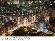 Купить «Ночной город Токио в районе улицы Honan Dori. Центральный деловой район Shinjuku и парк Shinjuku Chuo. Япония», фото № 27330110, снято 14 апреля 2013 г. (c) Кекяляйнен Андрей / Фотобанк Лори