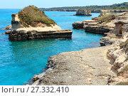 Купить «Grotta dello Mbruficu, Salento sea coast, Italy», фото № 27332410, снято 7 июня 2017 г. (c) Юрий Брыкайло / Фотобанк Лори