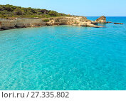 Купить «Sea beach Spiaggia della Punticeddha, Salento, Italy», фото № 27335802, снято 7 июня 2017 г. (c) Юрий Брыкайло / Фотобанк Лори