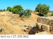 Купить «Valley of Temples, Agrigento, Sicily, Italy», фото № 27335862, снято 14 июня 2017 г. (c) Юрий Брыкайло / Фотобанк Лори