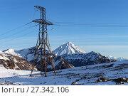 Купить «Высоковольтная линия электропередачи в горах», фото № 27342106, снято 22 октября 2017 г. (c) А. А. Пирагис / Фотобанк Лори