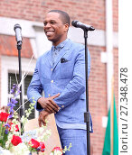 Leslie Odom Jr. and Tom Verica are honored during a July 4th ceremony... (2016 год). Редакционное фото, фотограф W.Wade / WENN / age Fotostock / Фотобанк Лори