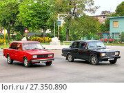 Купить «Lada 2105 and Lada 2107», фото № 27350890, снято 6 июня 2017 г. (c) Art Konovalov / Фотобанк Лори