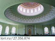 A beautiful painting inside the mosque Minor in Tashkent, Uzbekistan (2016 год). Редакционное фото, фотограф Валерий Смирнов / Фотобанк Лори