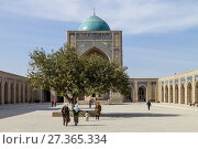 The Inner Courtyard Of The Kalyan Mosque, Bukhara, Uzbekistan. (2017 год). Редакционное фото, фотограф Grant Rooney / age Fotostock / Фотобанк Лори