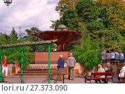 Купить «Mushroom Fountain in Ciechocinek, Kuyavian-Pomeranian Voivodeship, Poland.», фото № 27373090, снято 21 июля 2019 г. (c) age Fotostock / Фотобанк Лори