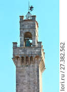 Купить «Montepulciano Communal Palace, Tuscany, Italy», фото № 27382562, снято 23 июня 2017 г. (c) Юрий Брыкайло / Фотобанк Лори