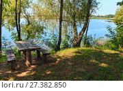 Купить «Сamping pitch on summer lake calm beach», фото № 27382850, снято 1 сентября 2017 г. (c) Юрий Брыкайло / Фотобанк Лори