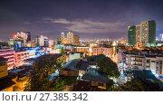 Купить «Time lapse view of Makati skyscrapers in Manila city. Skyline at night, Philippines.», видеоролик № 27385342, снято 9 января 2018 г. (c) Mikhail Davidovich / Фотобанк Лори