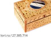 Купить «Casket from birch bark on a white background», фото № 27385714, снято 30 декабря 2015 г. (c) Евгений Ткачёв / Фотобанк Лори