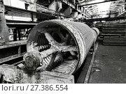 Купить «Slate production plant. Conveyor line», фото № 27386554, снято 3 мая 2017 г. (c) Евгений Ткачёв / Фотобанк Лори