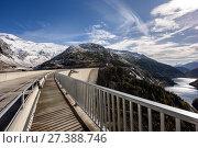 Купить «Плотина Кельнбрейн (Kölnbrein) на реке Мальте в Альпийских горах. Федеральная земля Каринтия, Австрия.», фото № 27388746, снято 10 октября 2017 г. (c) Bala-Kate / Фотобанк Лори