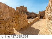 Купить «Горный массив в южном Израиле и руины крепости Масада. Исторический парк», фото № 27389334, снято 29 октября 2017 г. (c) Игорь Рожков / Фотобанк Лори