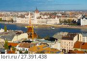 Купить «View of Budapest with Hungarian Parliament», фото № 27391438, снято 29 октября 2017 г. (c) Яков Филимонов / Фотобанк Лори
