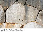 Купить «Древняя полигональная кладка, Дельфы, Греция», фото № 27397962, снято 2 января 2018 г. (c) Ирина Яровая / Фотобанк Лори