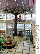 "Купить «The interior of the hypermarket ""Greenwich""», фото № 27411042, снято 25 апреля 2017 г. (c) Евгений Ткачёв / Фотобанк Лори"
